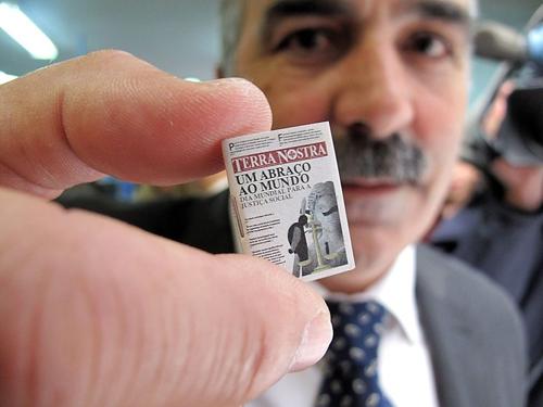 Tờ báo nhỏ nhất thế giới - 3