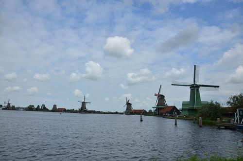 Cận cảnh làng cối xay gió Zaanse Schans ở Hà Lan - 1
