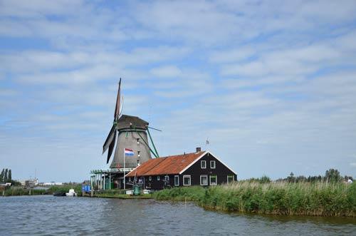 Cận cảnh làng cối xay gió Zaanse Schans ở Hà Lan - 3