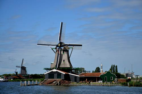 Cận cảnh làng cối xay gió Zaanse Schans ở Hà Lan - 4