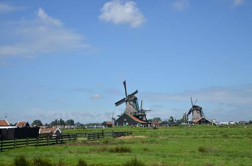 Cận cảnh làng cối xay gió Zaanse Schans ở Hà Lan - 9