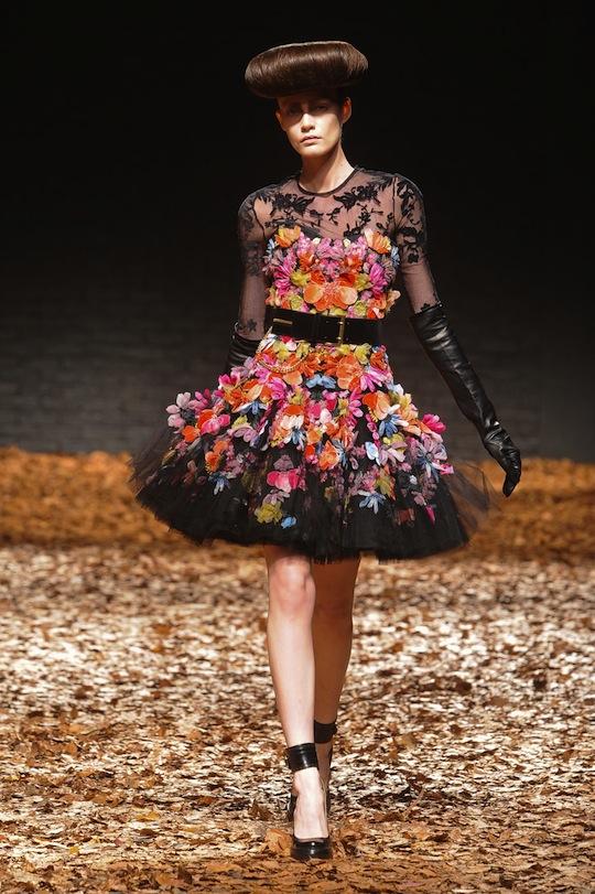 7 cách mặc váy ren trong Xuân-Hè 2012 - 22