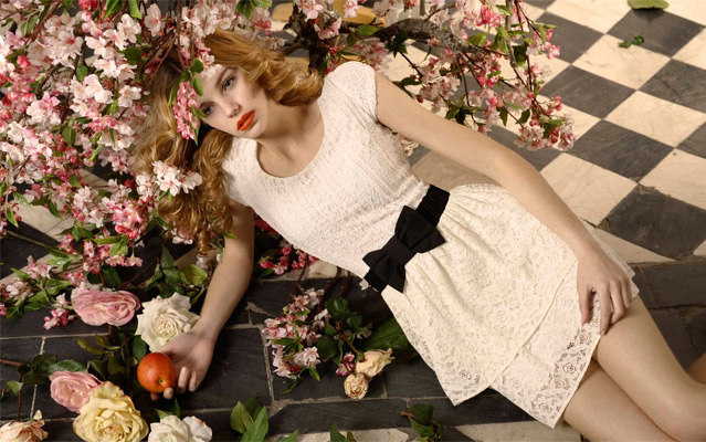 7 cách mặc váy ren trong Xuân-Hè 2012 - 21