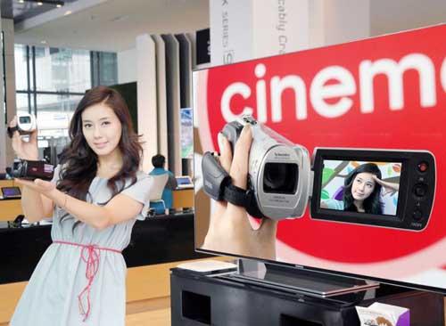 Máy quay Samsung HMX-F80: Đa năng giá mềm - 2