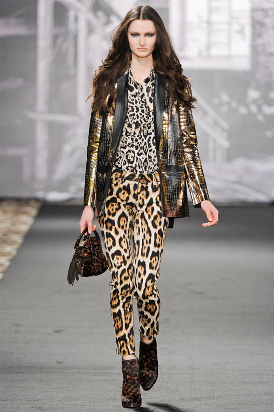 MilanFW: Thu wild Just Cavalli, Fashion, Just Cavalli, fashion, milan fashion week, haute couture, leopard prints, animal skin textures, borrowed, jacket, chiffon, the child, high heels, bot