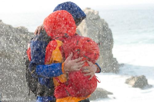 Lee Min Ho ôm người đẹp trong bão tuyết - 3
