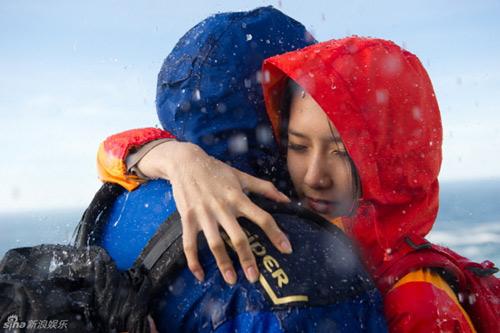 Lee Min Ho ôm người đẹp trong bão tuyết - 4