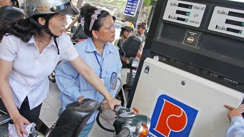 Xăng dầu nhăm nhe tăng giá từ tháng 3 - 1