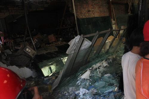 Tường nhà đổ sập, công nhân chết thảm - 2