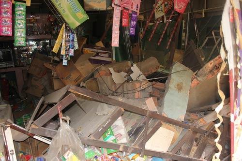 Tường nhà đổ sập, công nhân chết thảm - 3