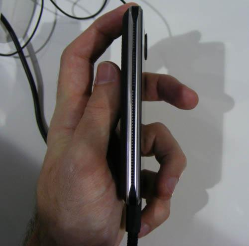 LG T385 Wi-Fi và LG T375 dual SIM sắp bán ra - 3