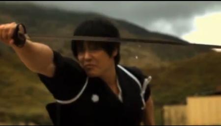 Clip: Võ sĩ Nhật chém đôi viên đạn đang bay - 1
