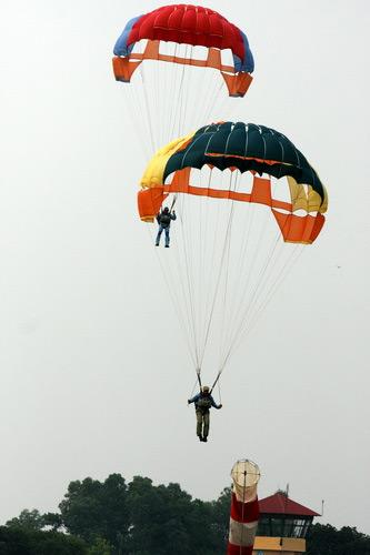Thót tim xem đặc công hải quân nhảy dù - 4