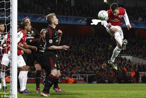 Arsenal: Chiến thắng của niềm kiêu hãnh - 1