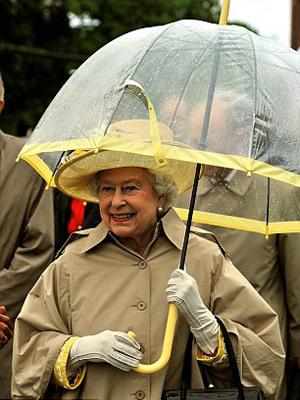 Nữ hoàng Anh: 86 tuổi vẫn sành điệu - 12