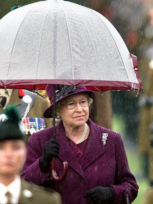 Nữ hoàng Anh: 86 tuổi vẫn sành điệu - 13