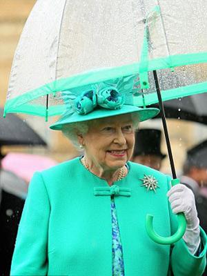 Nữ hoàng Anh: 86 tuổi vẫn sành điệu - 15