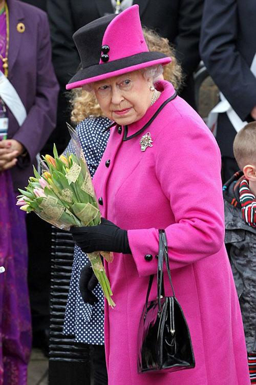 Nữ hoàng Anh: 86 tuổi vẫn sành điệu - 2