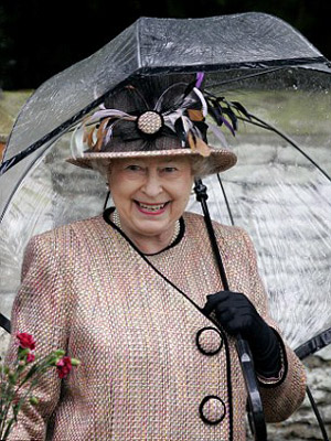 Nữ hoàng Anh: 86 tuổi vẫn sành điệu - 11