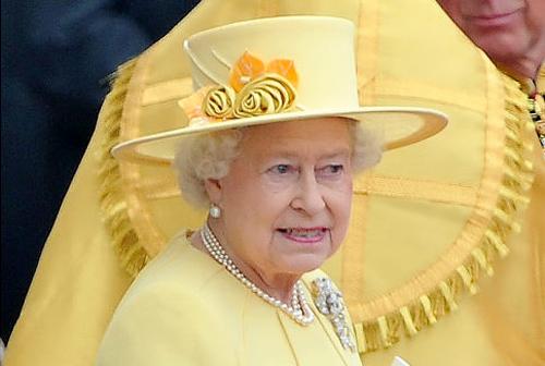 Nữ hoàng Anh: 86 tuổi vẫn sành điệu - 21
