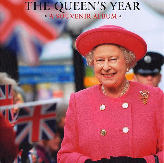 Nữ hoàng Anh: 86 tuổi vẫn sành điệu - 22