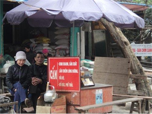 """Nơi biển cấm bị """"coi thường"""" ở Hà Nội! - 1"""