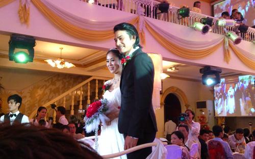 Cận cảnh đám cưới Quách Ngọc Ngoan - 2