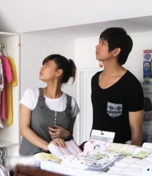 Tim đưa Quỳnh Anh đi mua đồ em bé - 4