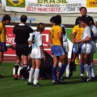 Tiết lộ động trời vụ SAO Brazil bị đầu độc tại World Cup