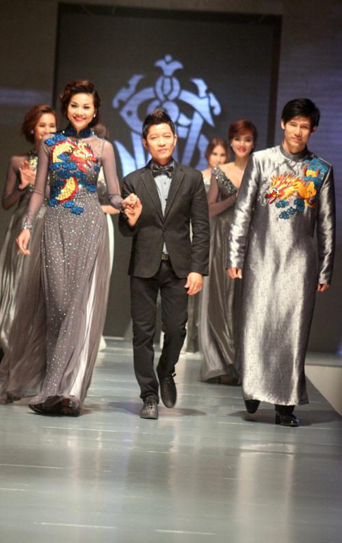 Dàn Next Top tỏa sáng bên đàn chị, Thời trang, vietnam's next top model, tuyet lan, le thuy, thuy trang, nguoi mau, ao dai, ntk thuan viet, thanh hang, ngoc quyen, huong giang