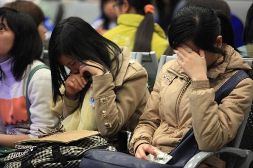 Fan Việt nức nở vì đón hụt sao Hàn - 11