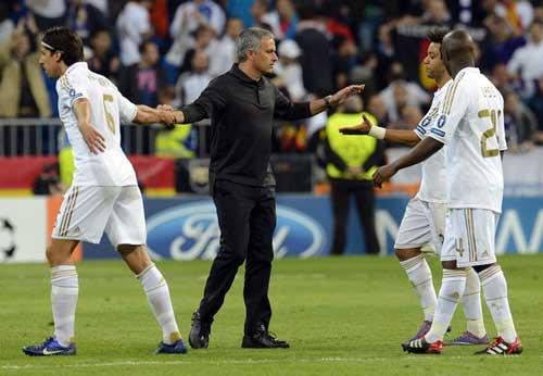 "Real Madrid: Giấc mơ ""Decima"" - 2"