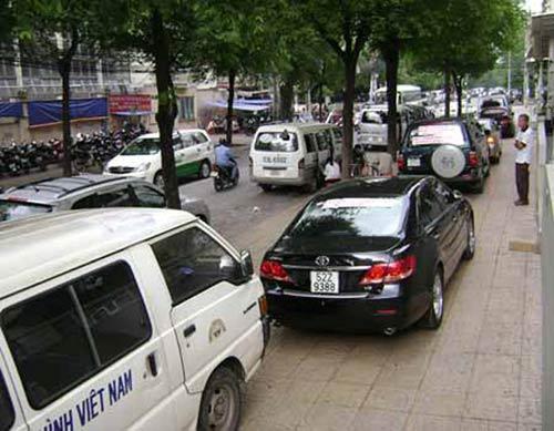 Từ 1/6 thu phí bảo trì đường bộ đối với ô tô và xe máy - 2