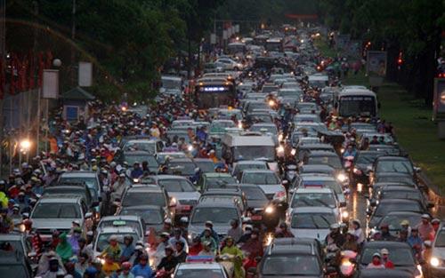 Từ 1/6 thu phí bảo trì đường bộ đối với ô tô và xe máy - 3