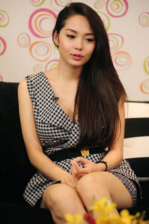 Minh Hằng rơi lệ nói về scandal - 5
