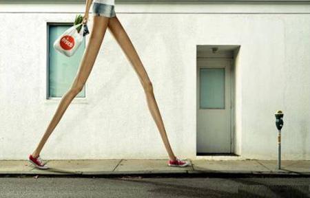 Chân dài có cái khổ của chân dài - 2