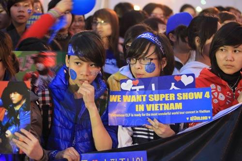 Đẩy cổng xông vào đêm nhạc hội Việt Hàn - 5