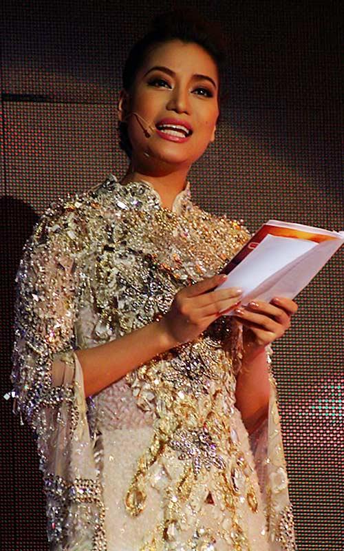 Sao Việt mặc váy đính đá... vô tội vạ - 10