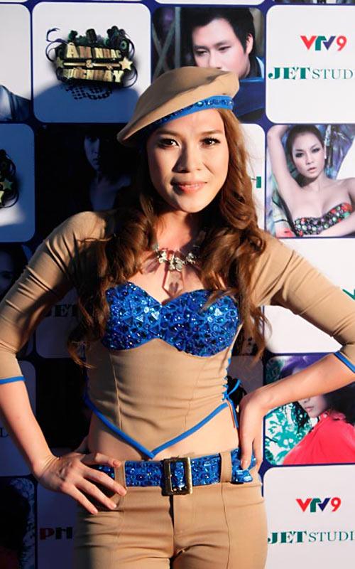 Sao Việt mặc váy đính đá... vô tội vạ - 11