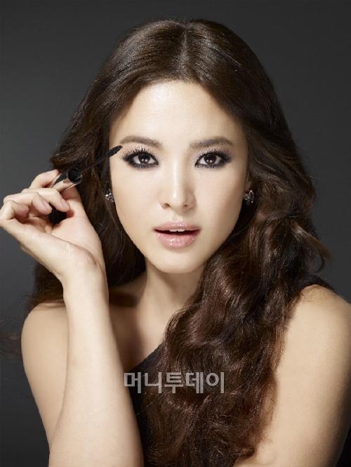 1331957709 songhyekyo Vì đâu mỹ nhân Hàn luôn rạng ngời?