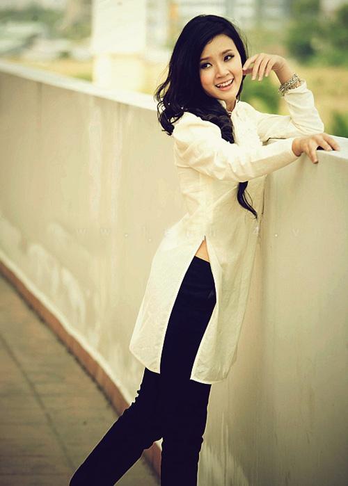Hot girl Midu dịu dàng trong trang phục áo dài - 14