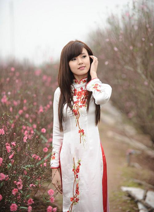 Hot girl Midu dịu dàng trong trang phục áo dài - 19