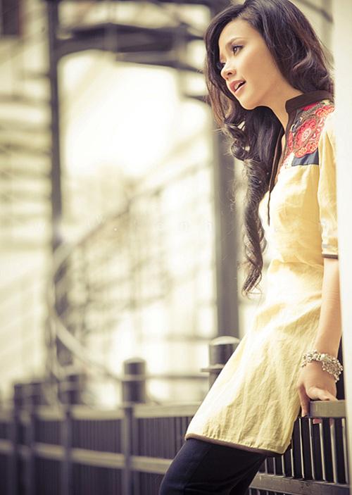 Hot girl Midu dịu dàng trong trang phục áo dài - 15