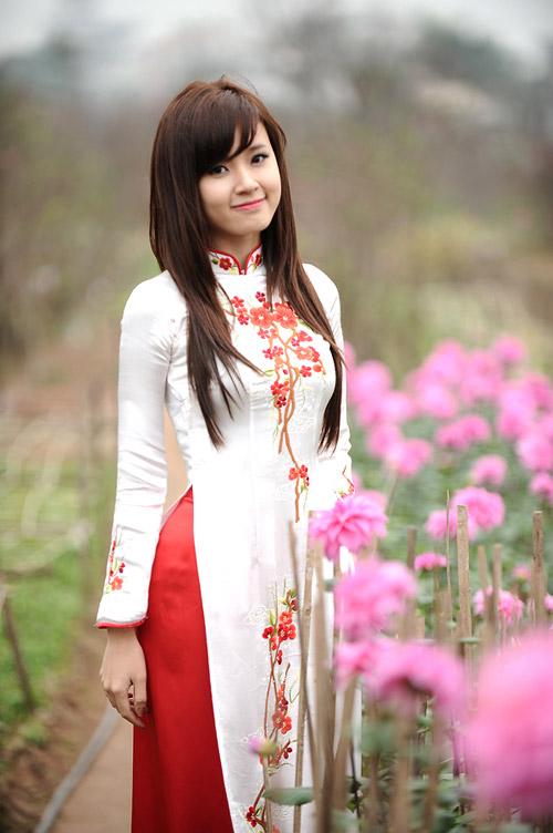 Hot girl Midu dịu dàng trong trang phục áo dài - 22