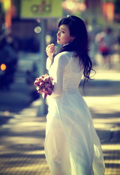 Hot girl Midu dịu dàng trong trang phục áo dài - 10
