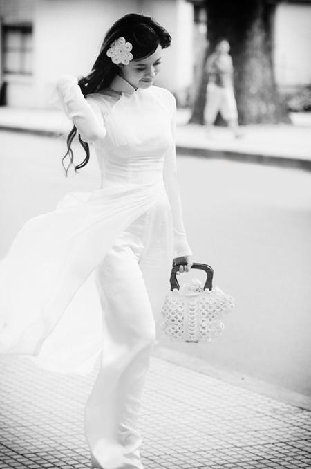 Hot girl Midu dịu dàng trong trang phục áo dài - 6