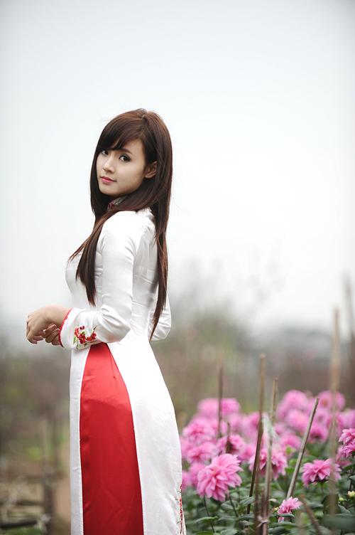 Hot girl Midu dịu dàng trong trang phục áo dài - 20