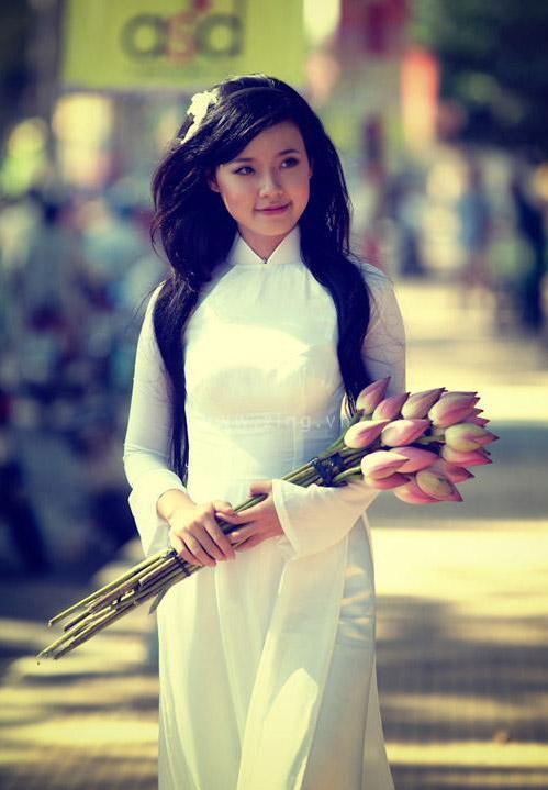 Hot girl Midu dịu dàng trong trang phục áo dài - 12