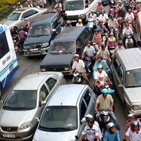 Đề xuất tăng thu phí lưu hành ôtô, xe máy