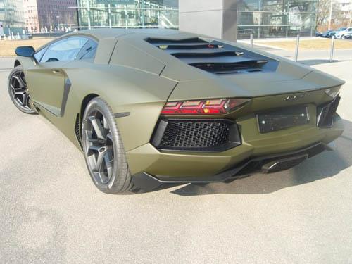 Màu 'độc' của Aventador LP700-4 - 3